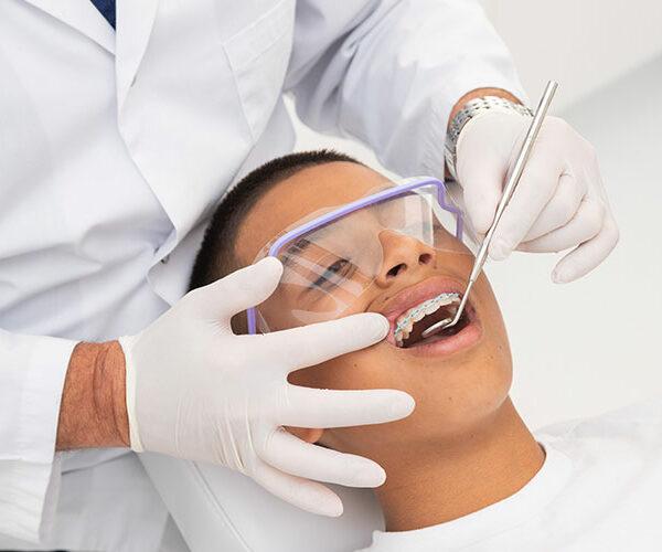 orthodontist brisbane braces tightening